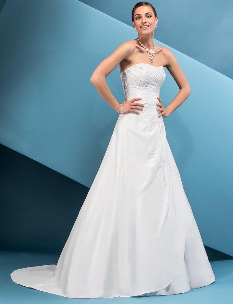 Brudekjoler til alle kropstyper. Se vores a snit kjoler fx. Eglantine Delta her.