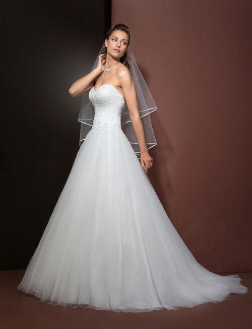 Prinsessekjolen Eglantine Djerba er en virelig smuk og elegant brudekjole fra Unique Kjoler.