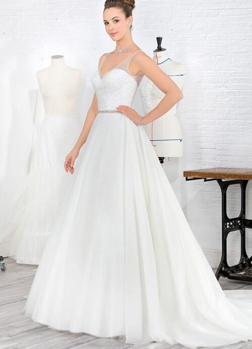 Elegant brudekjole med perler og glitter fra Unique Kjoler.
