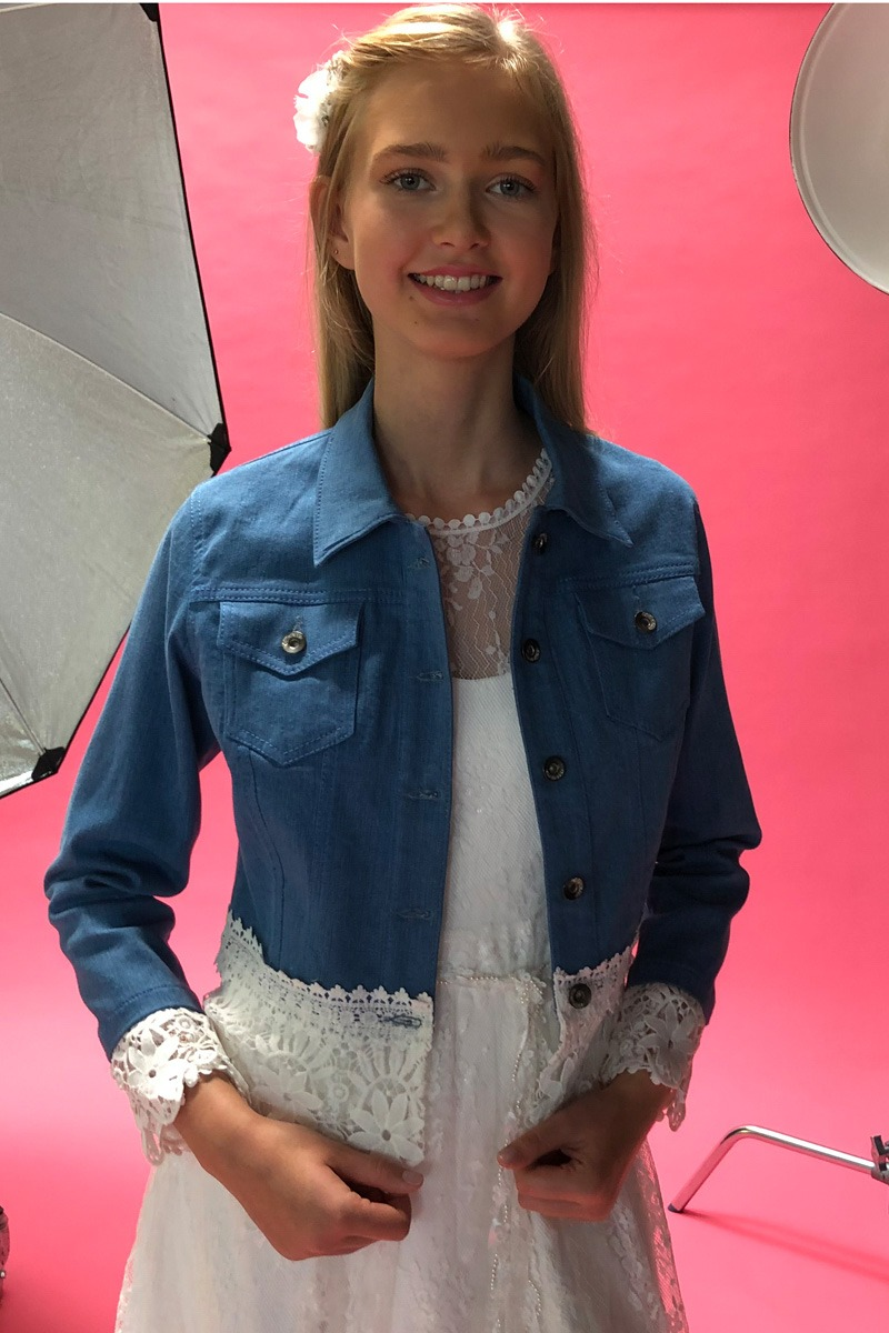 konfirmationskjoler 2020 realsilk denim jakke dark blue blonde edited